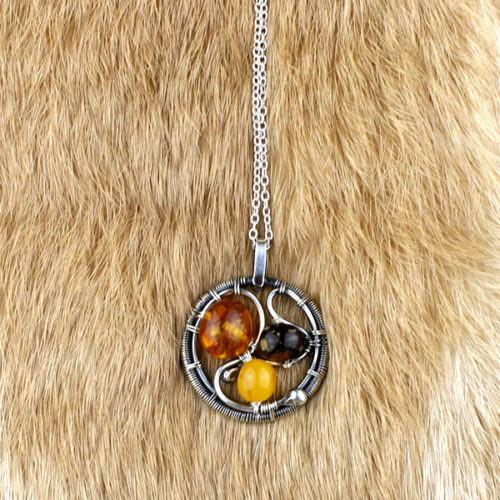 amber necklace 3 beads
